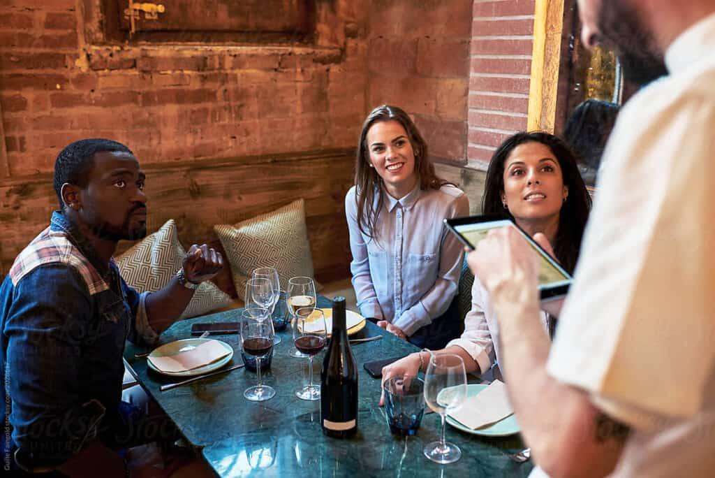 tableside-ordering-pizza-restaurant